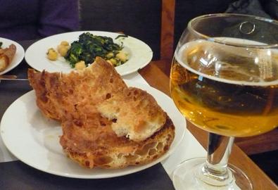 Vegetarian tapas + cerveza