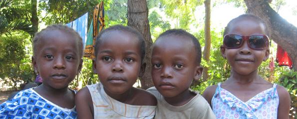 4 Kenyan Cuties FP