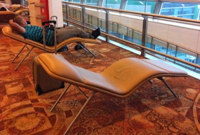 delhi airport lounge