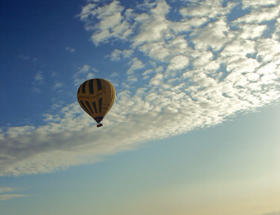 Balloon_over_Luxor_2