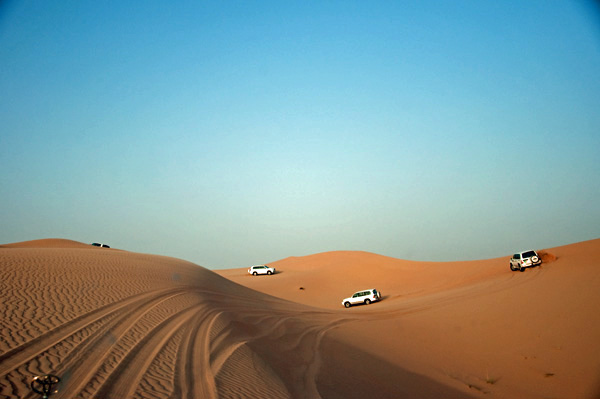 Dune Driving, Abu Dhabi -- Seriously Fun!