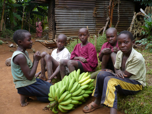 Family on Sse Sse Islands, Uganda by GoErinGo