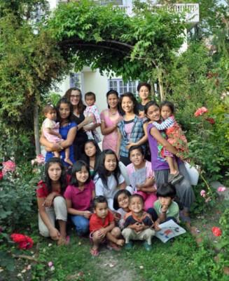 Ghar Sita Mutu Family Photo
