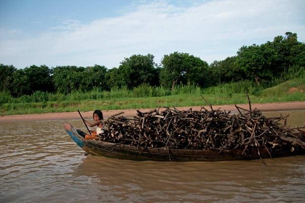 Life-on-the-River-Battambang-photo-by-GoErinGo