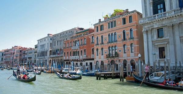 Rush Hour in Venice, photo by GoErinGo